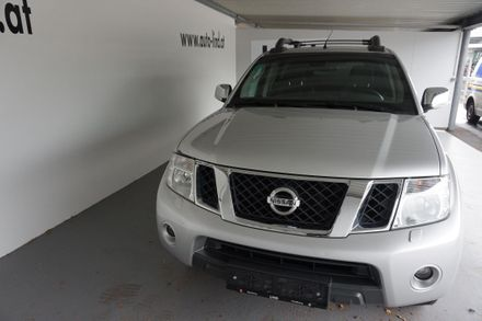 Nissan Double Cab Navara LE 2,5 16V DPF 4x4
