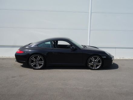 Porsche 911 Coupe Black Edition