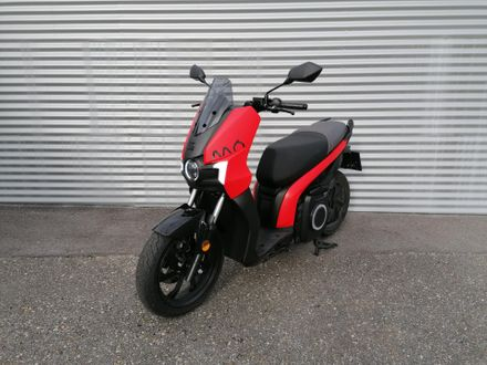 SEAT e-Roller Emotion Red
