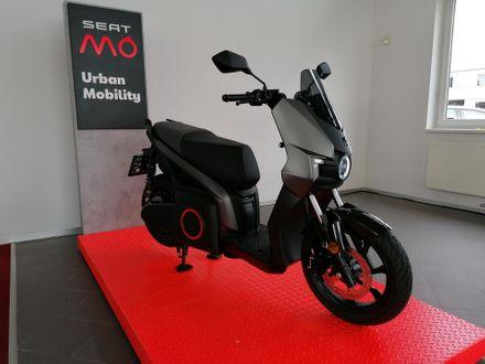SEAT e-Roller Dark Aluminium